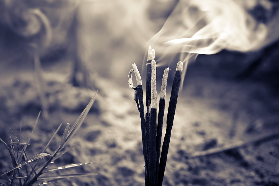 The Uses of Incense in Voodoo Rituals – HoodooWitch